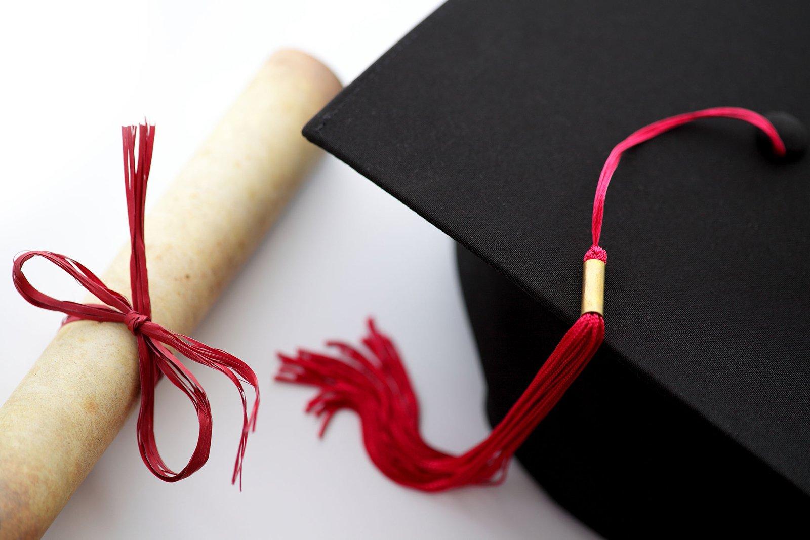 graduation cap scholarship